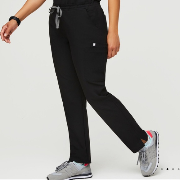 Figs yola skinny scrub pants black
